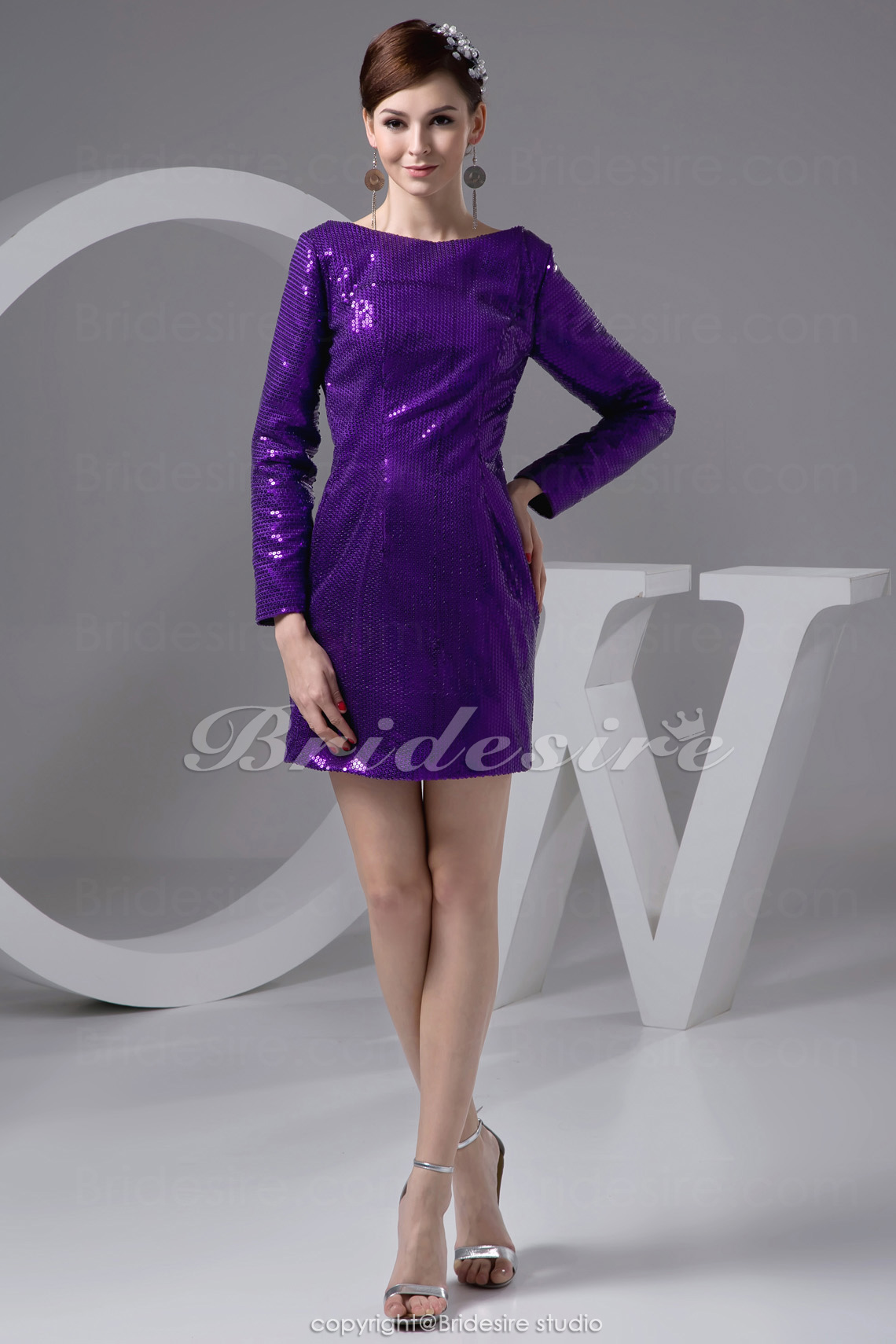 Sheath/Column Jewel Short/Mini Long Sleeve Sequined Dress