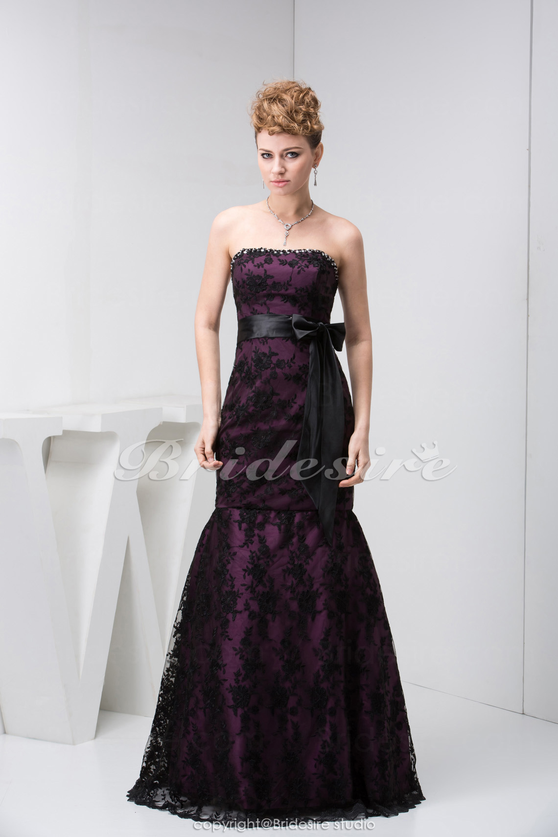 Trumpet/Mermaid Strapless Floor-length Sleeveless Satin Lace Dre
